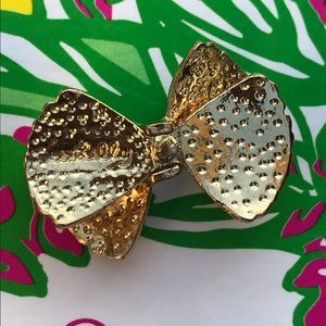 Lilly Pulitzer Jewelry - Lilly Pulitzer shell bow tie earrings